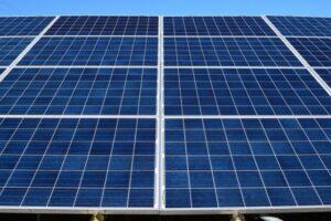 工場や倉庫が太陽光発電を導入するメリット・デメリット